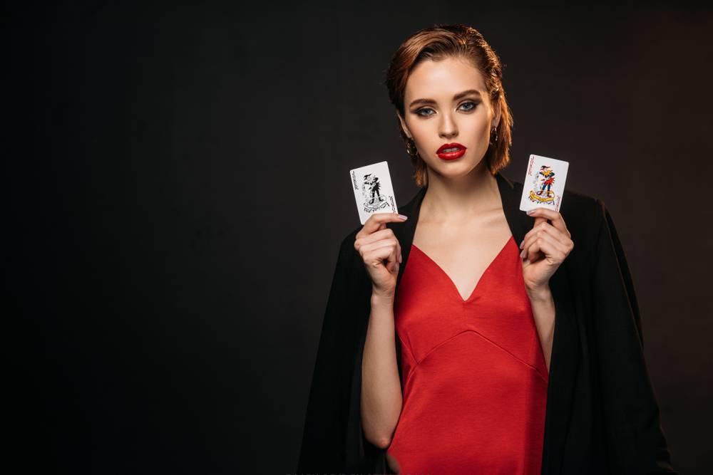 آموزش بازی پوکر اوماها درسیزده قدم :پوکر یک بازی شانسی نیست بلکه برای بردن در آن شما نیاز به داشتن یک استراتژی درست و قابلیت خواندن دستهای دیگران دارید